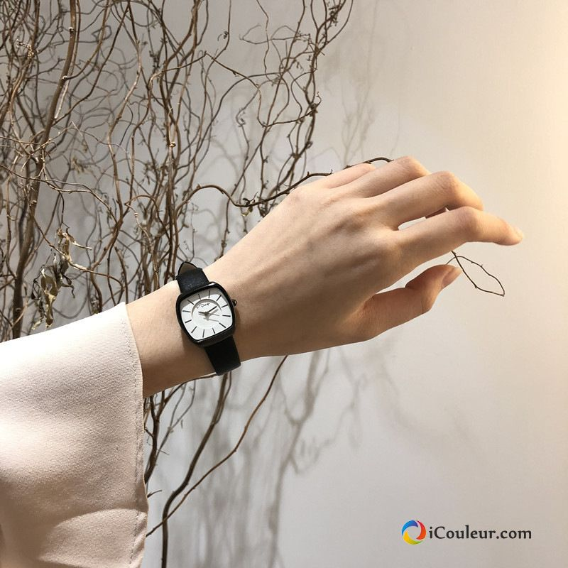 Femme Mode Simple Loisir Noir All-match Le Nouveau Montre À Bracelet Blanc